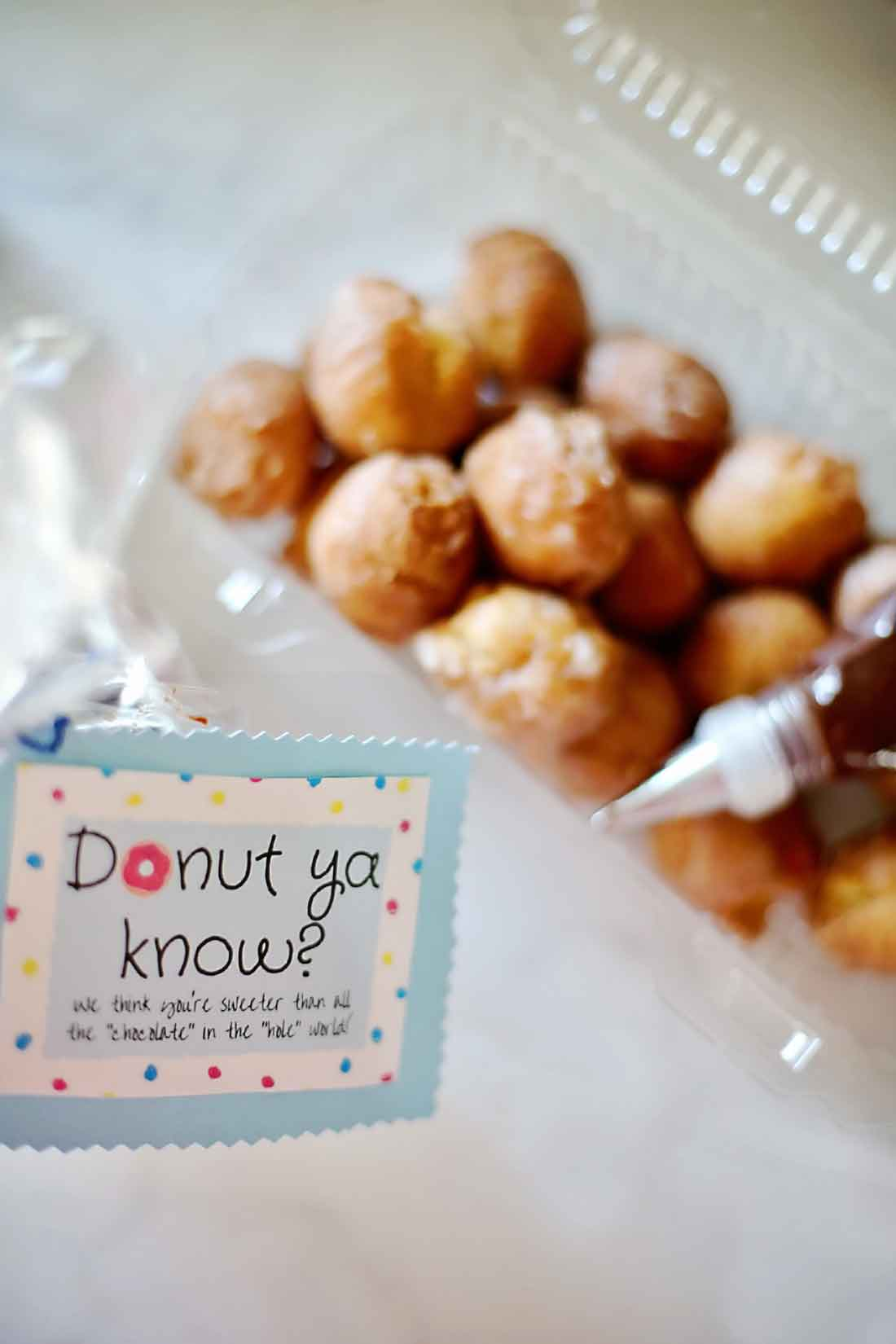 Cute Donut Hole Gift with Printable Gift Tags