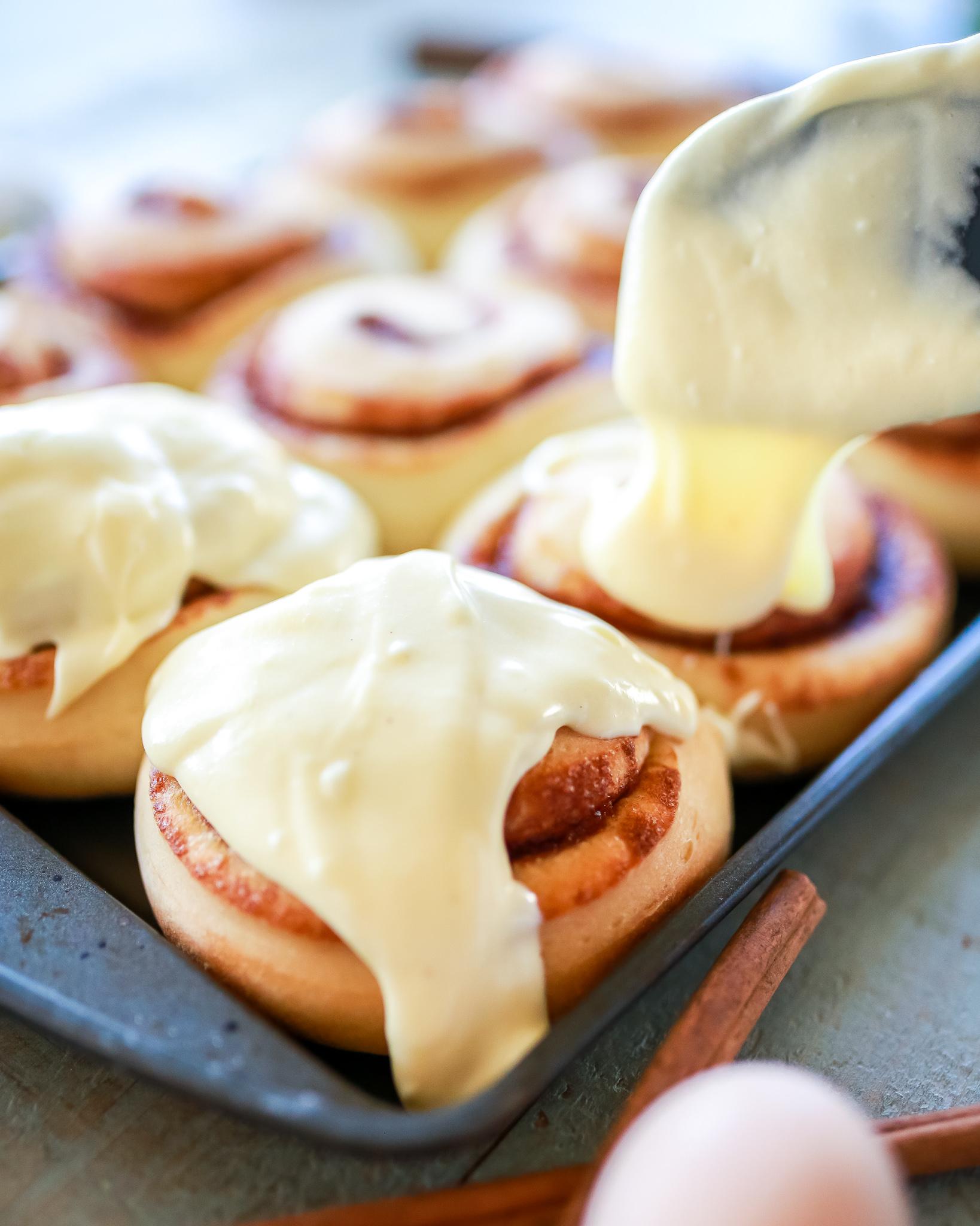 Eggnog cinnamon rolls that taste like heaven!