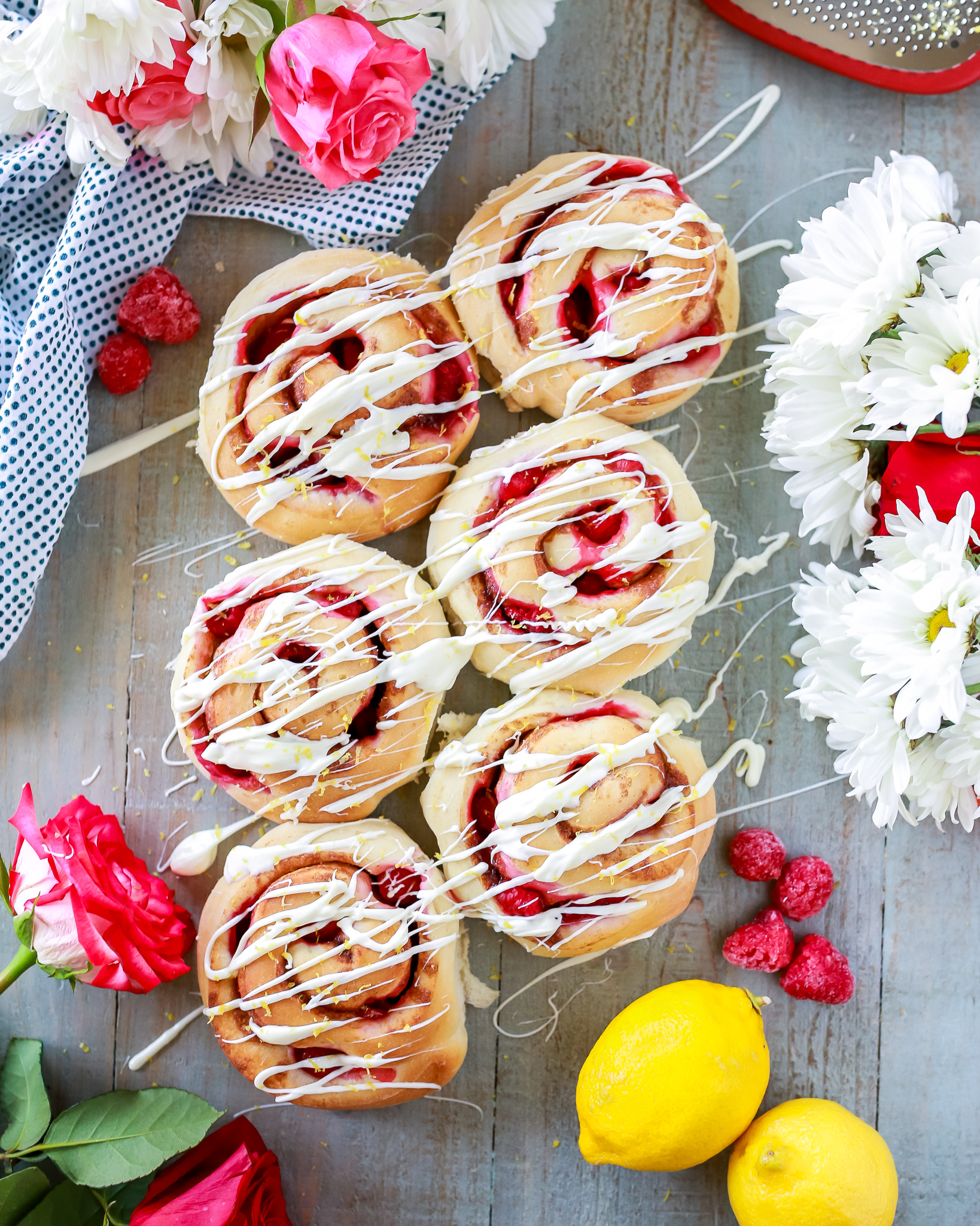 Easy recipe for the most delicious and gorgeous raspberry lemon rolls!