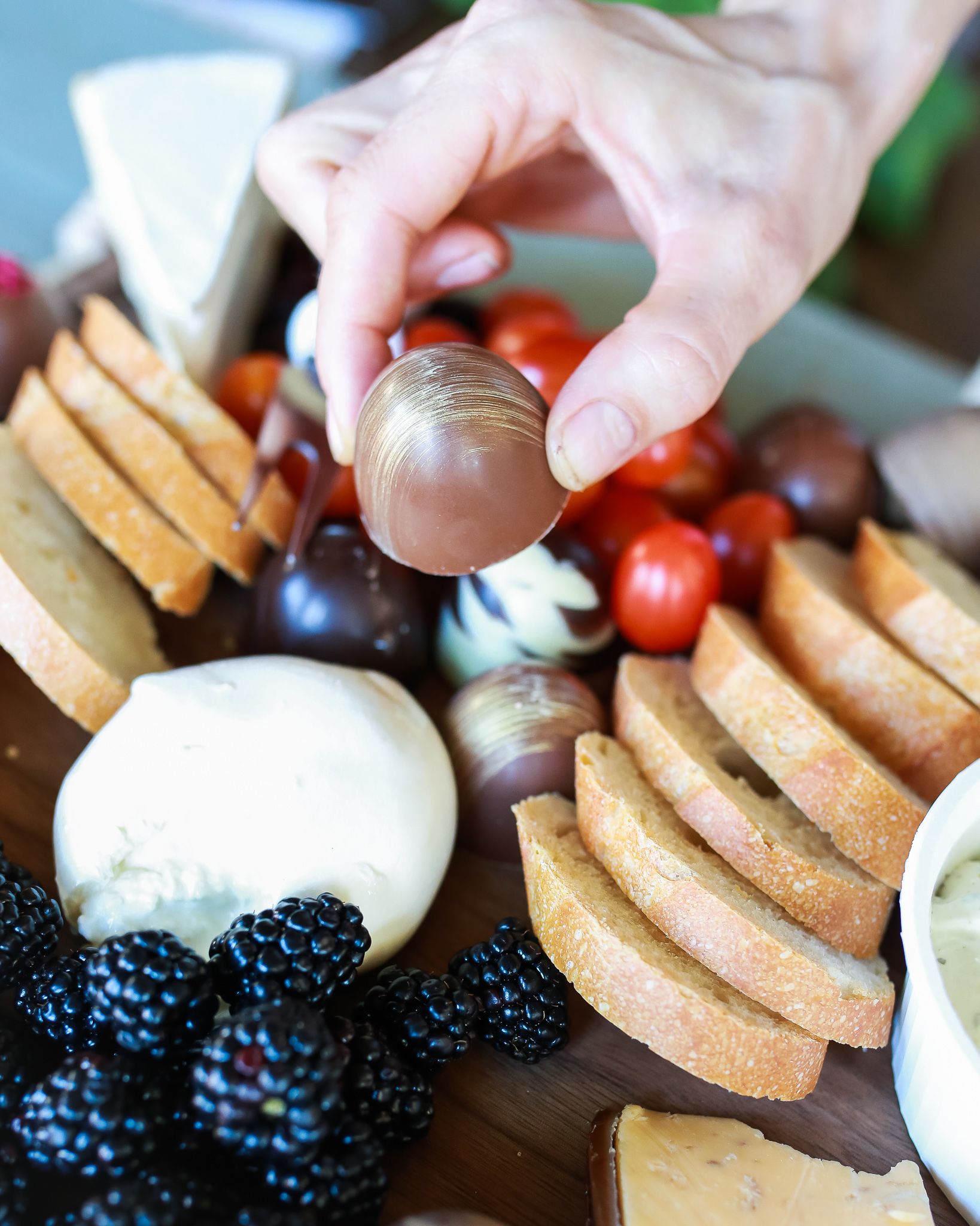 How to build a chocolate and cheese charcutierie