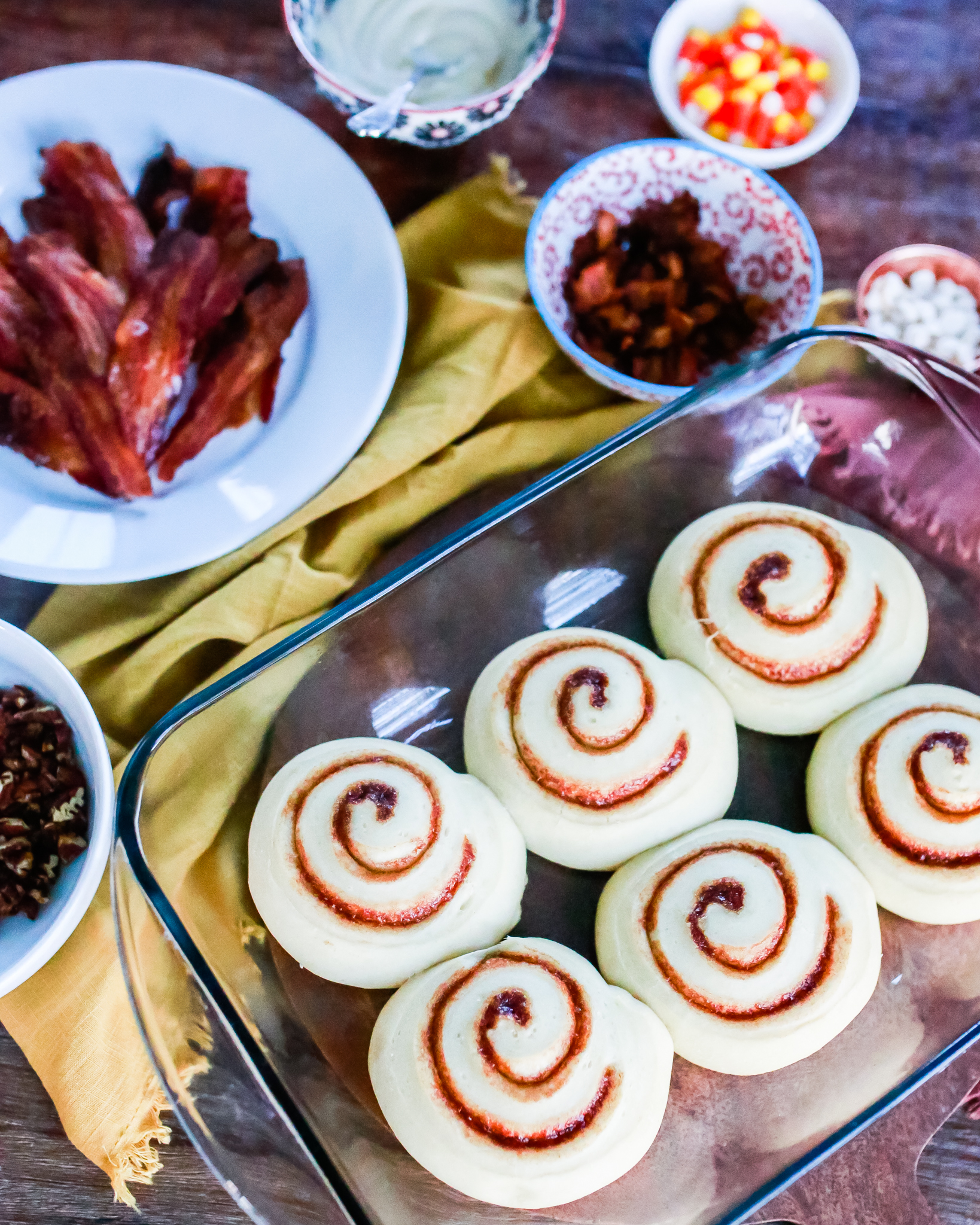 Thanksgiving cinnamon rolls